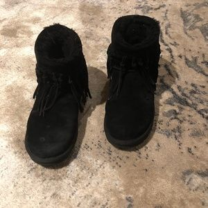 UGG fringe low boots in black